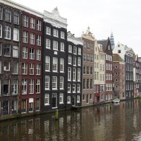 Canal houses off the Damrak near Central Station