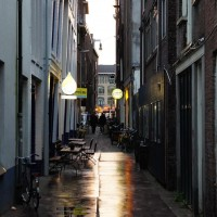 De Prael brewery, rainy alley entrance.