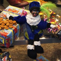 Zwarte Piet in a shoe store window.