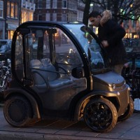 NO, he's not stealing it, that was HIS car, and proud of it. Is a Hummer really necessary?