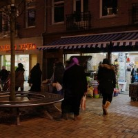 Beautiful muslim ladies wearing their Hijaab (Head Scarf) along the Javastraat