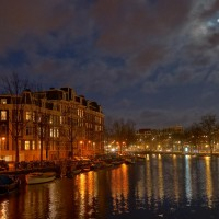 Houses under a full moon along the Alexanderkade / Mauritskade