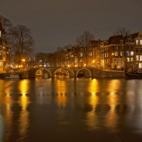 Looking west across the Amstel to the entrance of the Prinsengracht