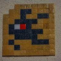 Another space invader tile spotted near the Zuiderkerk.