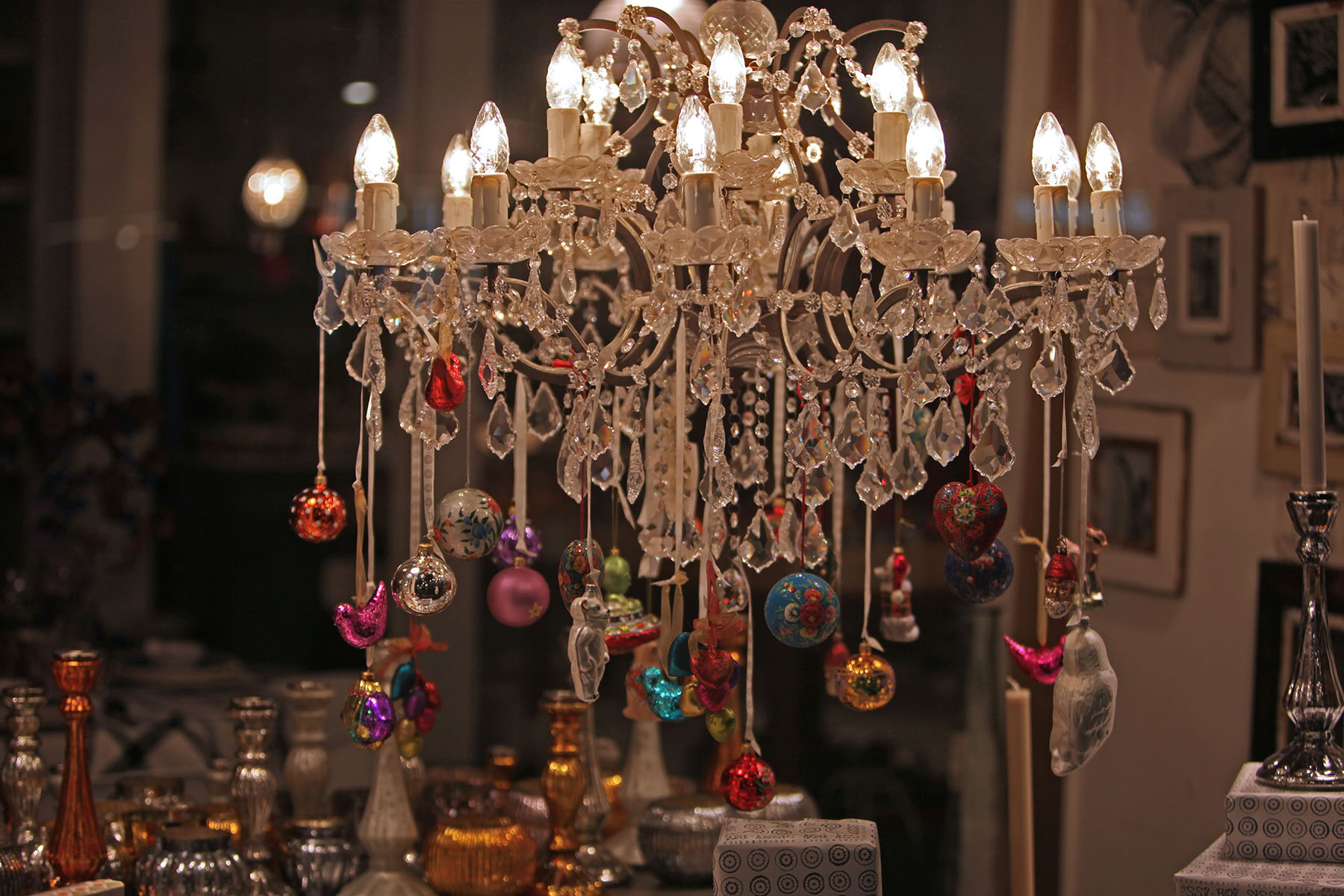Chandelier christmas ornaments thejots foggy amsterdam in the christmas season chiuki sinterklaas lighting ideas arubaitofo Gallery